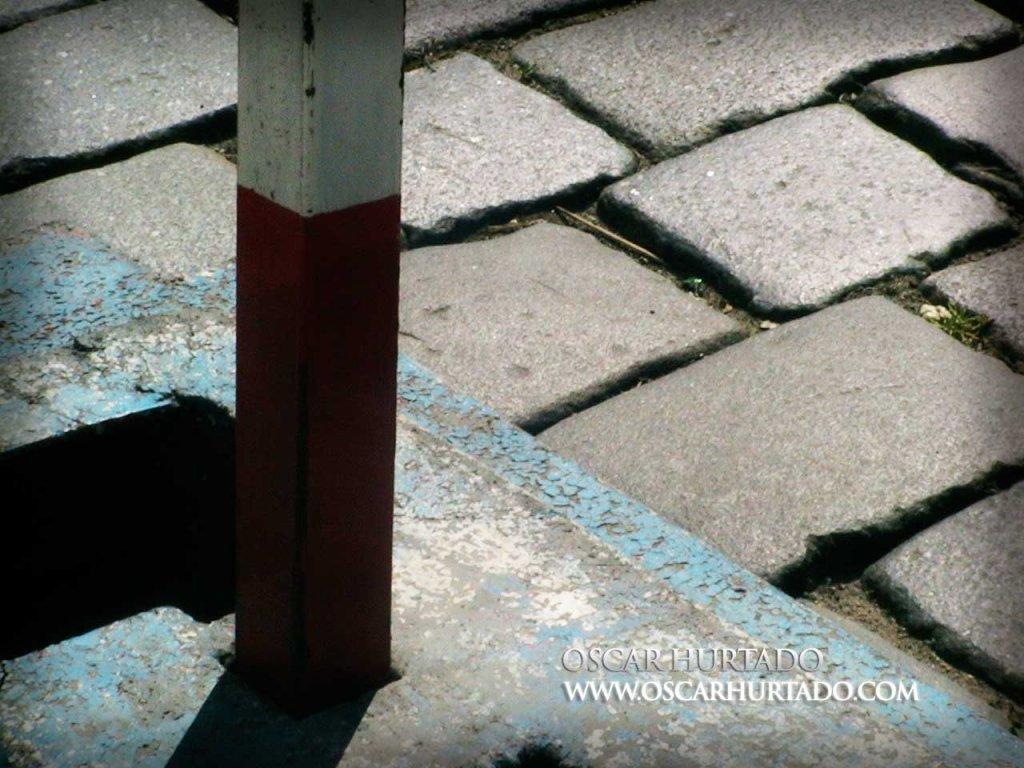 Diagonal Collisions - Color photograph (2008)