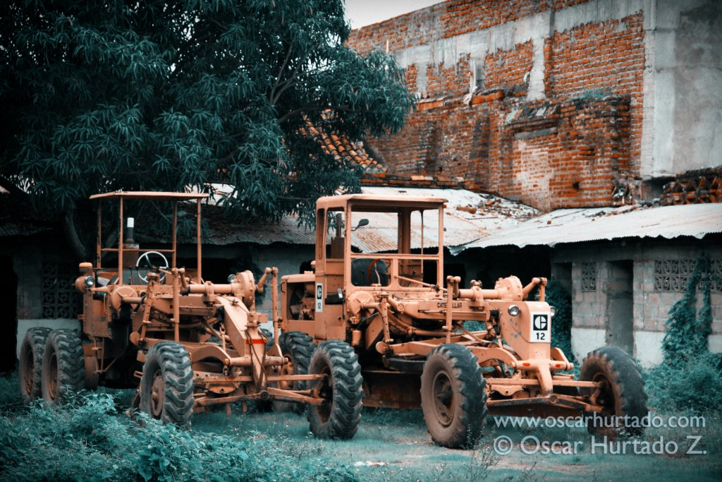 A couple of old caterpillar tractors found in an abandoned yard in the town of Mompox