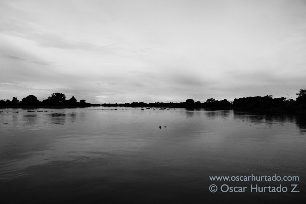 Beautiful black and white shot of the horizon of the Magdalena river as seen from the ferry
